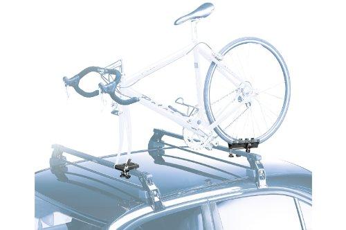 Auto mit E-Bike fest montiert
